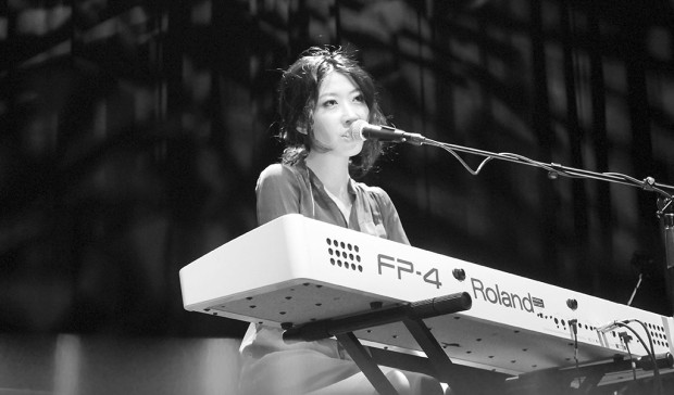 Wanting plays piano while she sings songs from her multiple albums. She performed at the Ob as part of her current North American tour.
