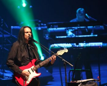 Comfortably Numb dazzles Algonquin with brand-new set
