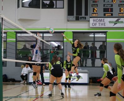 Thunder women tame Huskies with three straight sets, extend win streak