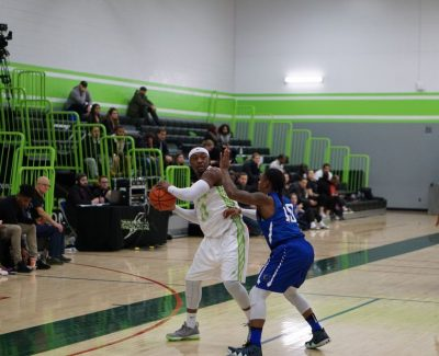 Algonquin men's team finishes strong against Grizzlies