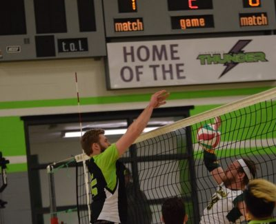 Thunder volleyballers hold off Lords, increase to 8-4