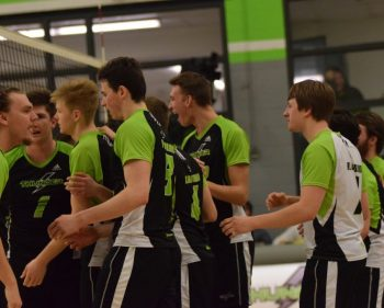 Mens Thunder Volleyball tame Panthers, improve to 10-4
