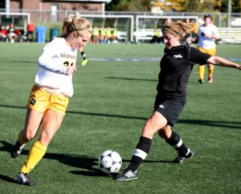 Women's soccer continues winning streak