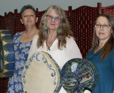 Algonquin workshop teaches drumming to awaken the soul