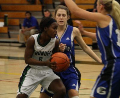 Women's basketball win four straight
