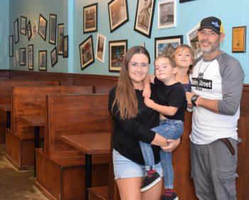 'It felt like people were preparing for Armageddon': Stittsville café serves hundreds after tornadoes eliminate power