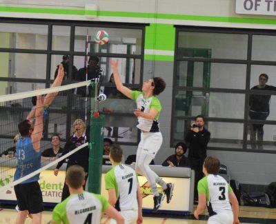 Algonquin men's volleyball team victorious against La Cité Coyotes