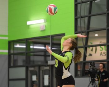 Algonquin Thunder women's volleyball team thump Centennial Colts
